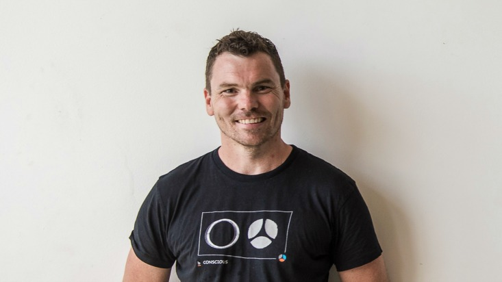 leigh houghton power living australia yoga